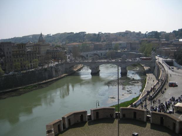 Here we see one of many bridges that cross the TIber River. Ponte Sant'Angelo is the only one closed to vehicular traffic.